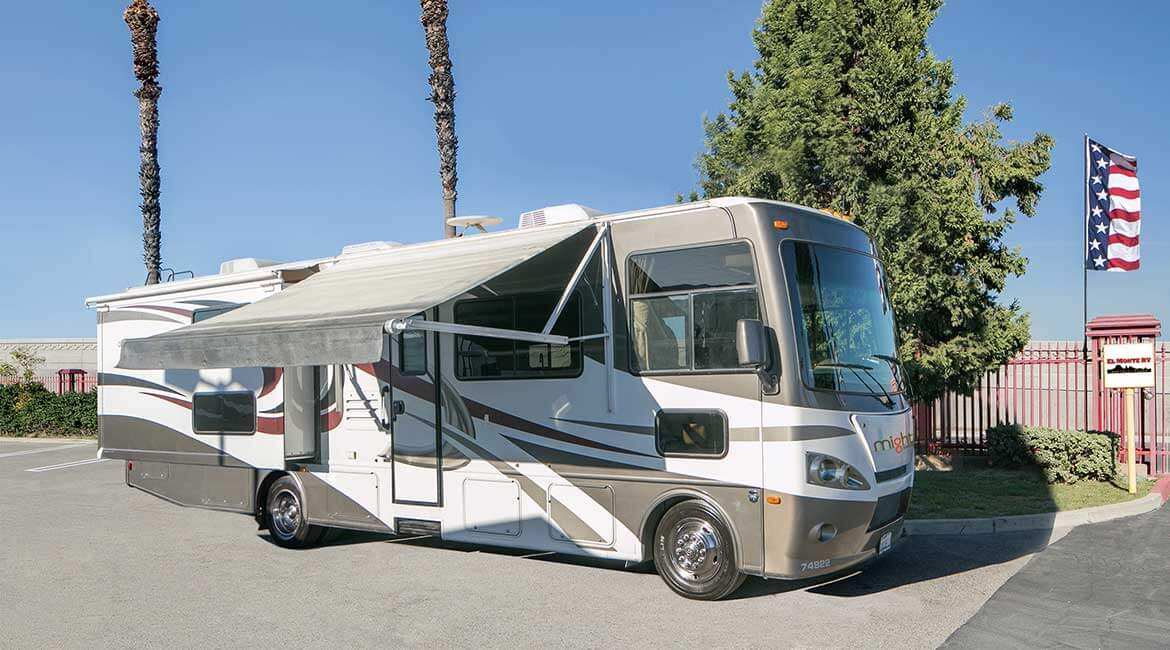 Mighty - MA34 Class A Motorhome mit Slide out und Markise