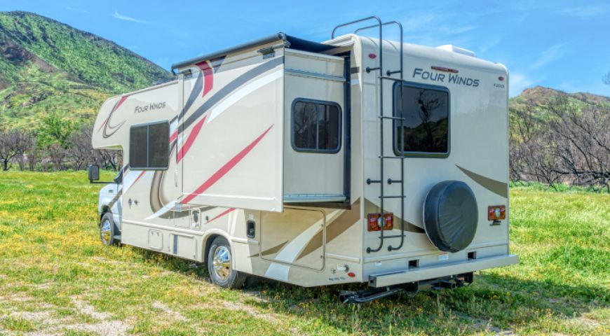 Camper/Roadbear/Type C 25-27ft/08