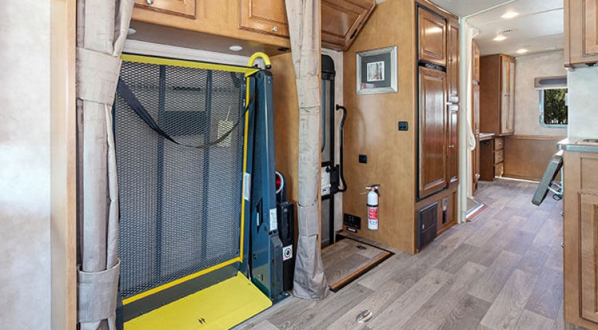 Camper/Fraserway/A-Class Wheelchair Accessible/05