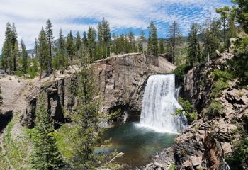 Rainbow Falls bei Mammoth Lakes